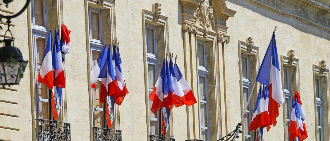 Un centre des impôts ou l'on fait un quitus fiscal pour une voiture importée en France