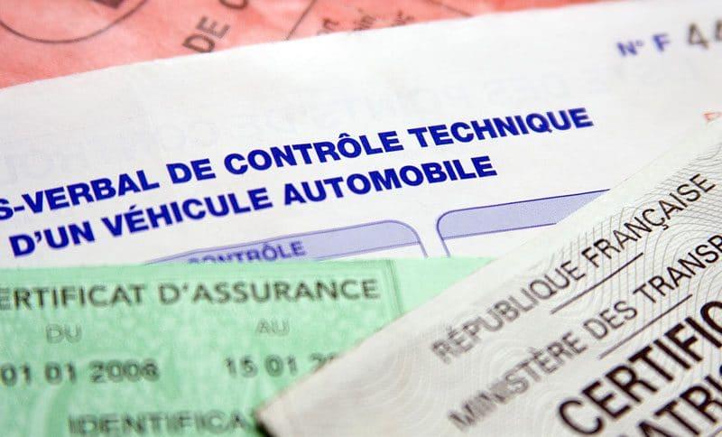 Quels documents vérifier avant d'acheter une voiture d'occasion ?
