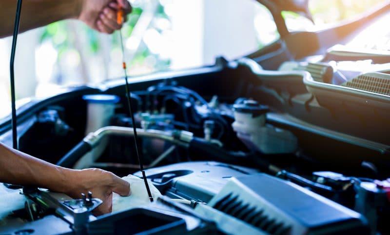 Quels éléments mécaniques vérifier avant d'acheter une voiture d'occasion ?