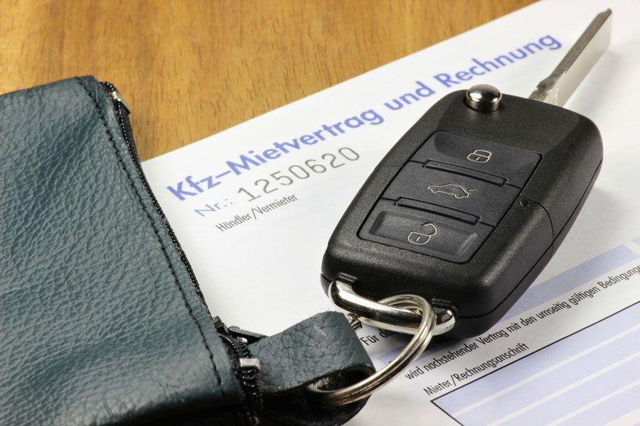 Les documents lors de l'achat d'une voiture en Allemagne, chez le concessionnaire allemand