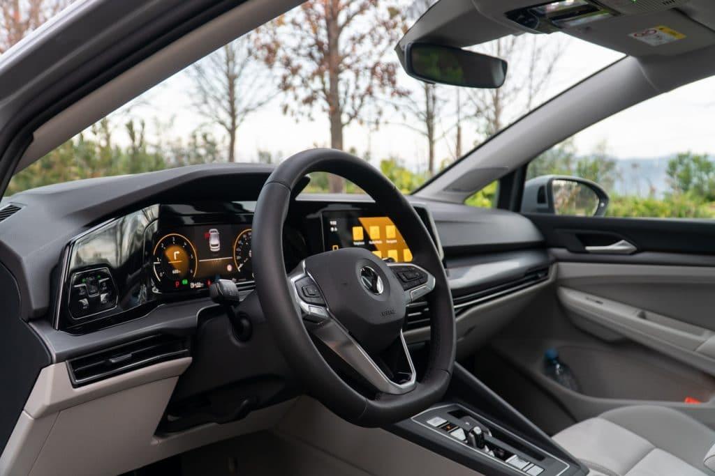 L'intérieur de la Volkswagen Golf 8