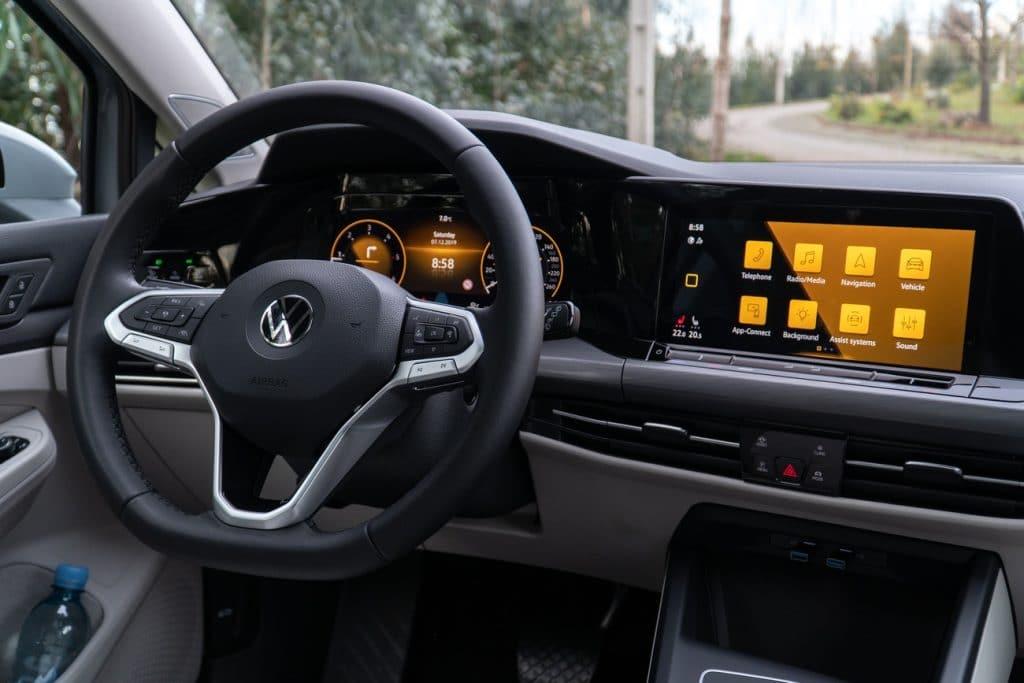 Le tableau de bord de la Volkswagen Golf 8