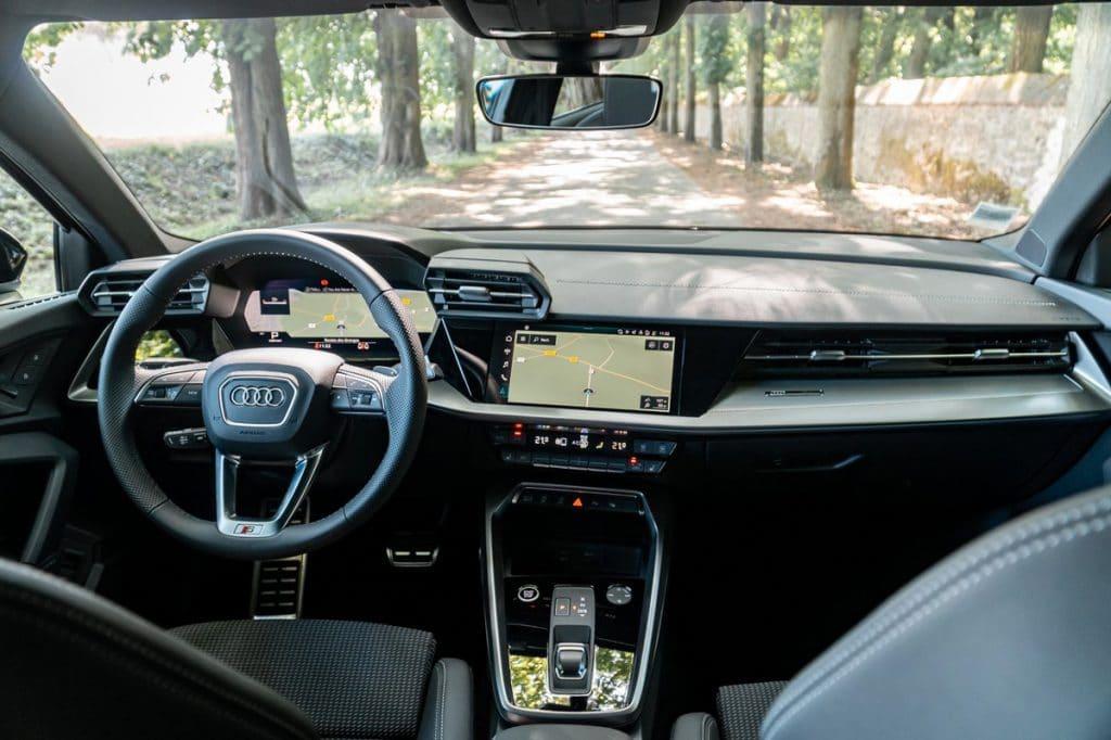 La console centrale avec le tableau de bord de la nouvelle Audi A3 Sportback
