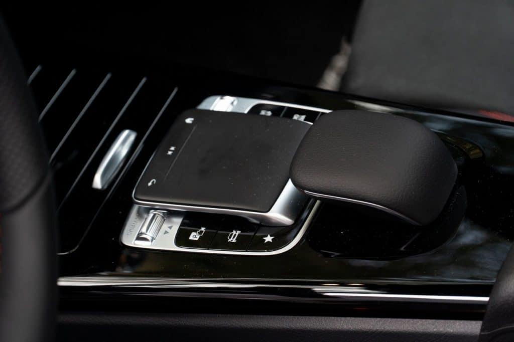 Le pad tactile du Mercedes CLA