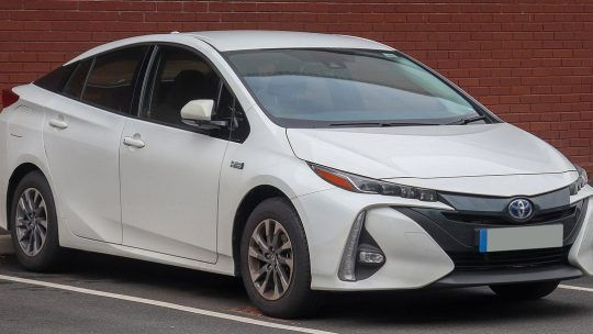 Toyota Prius 4 Hybride Rechargeable