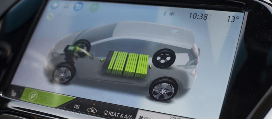 Ecran montrant la recharge de la voiture électrique