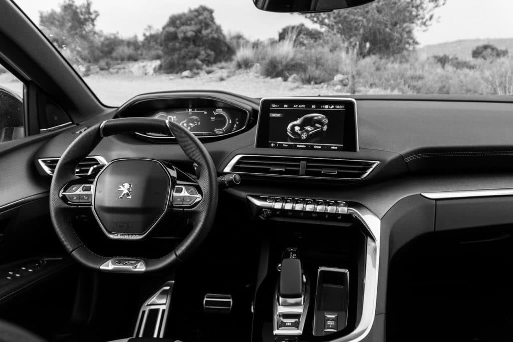 Poste de conduite du Peugeot 3008 hybride rechargeable