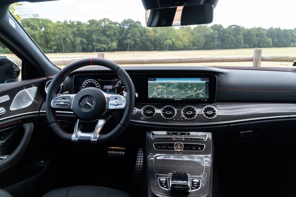 Poste de conduite du Mercedes-AMG CLS 53