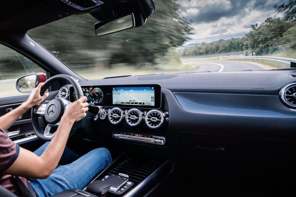 Poste de conduite du Mercedes GLA