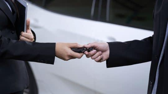 Prêt d'un véhicule en LLD : quand et comment en bénéficier ?