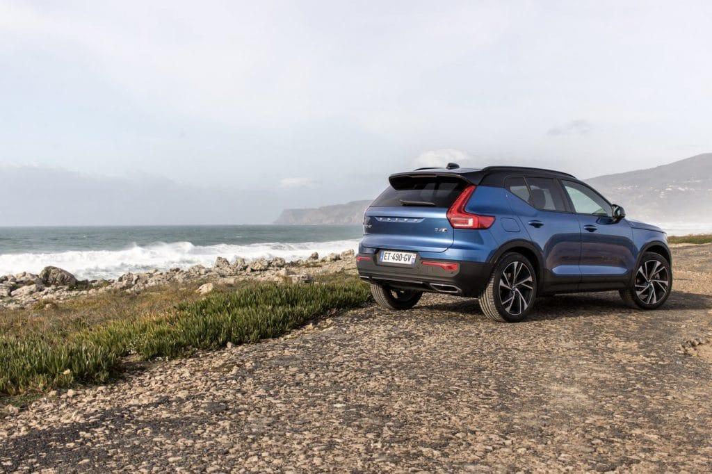 Vue profil arrière du Volvo XC40
