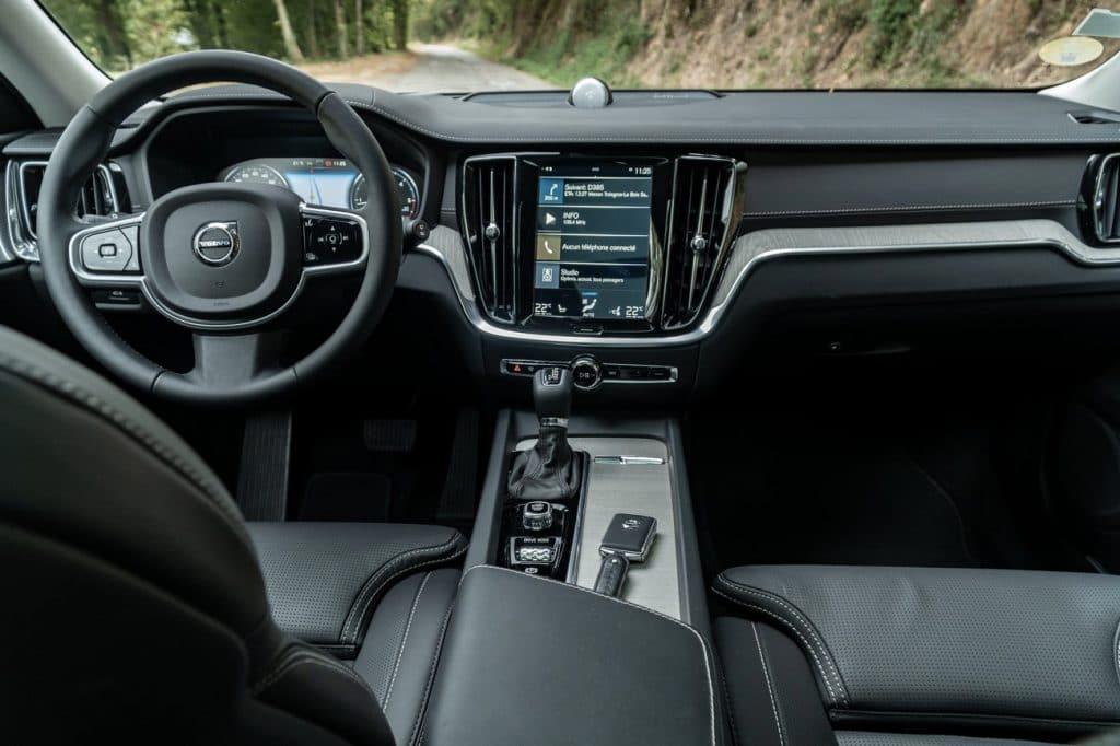 Poste de conduite du Volvo V60