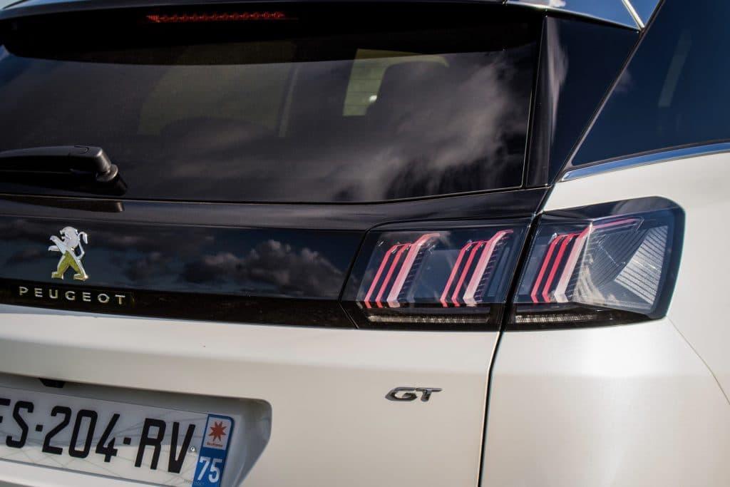Zoom sur les feux arrières du Peugeot 3008