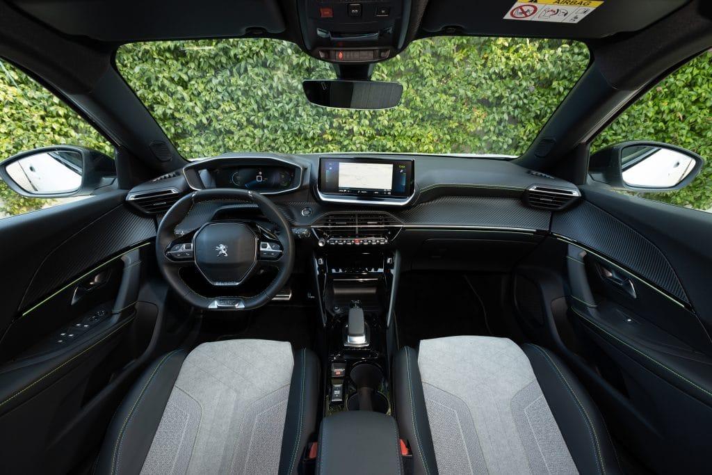 L'intérieur de la Peugeot e-2008