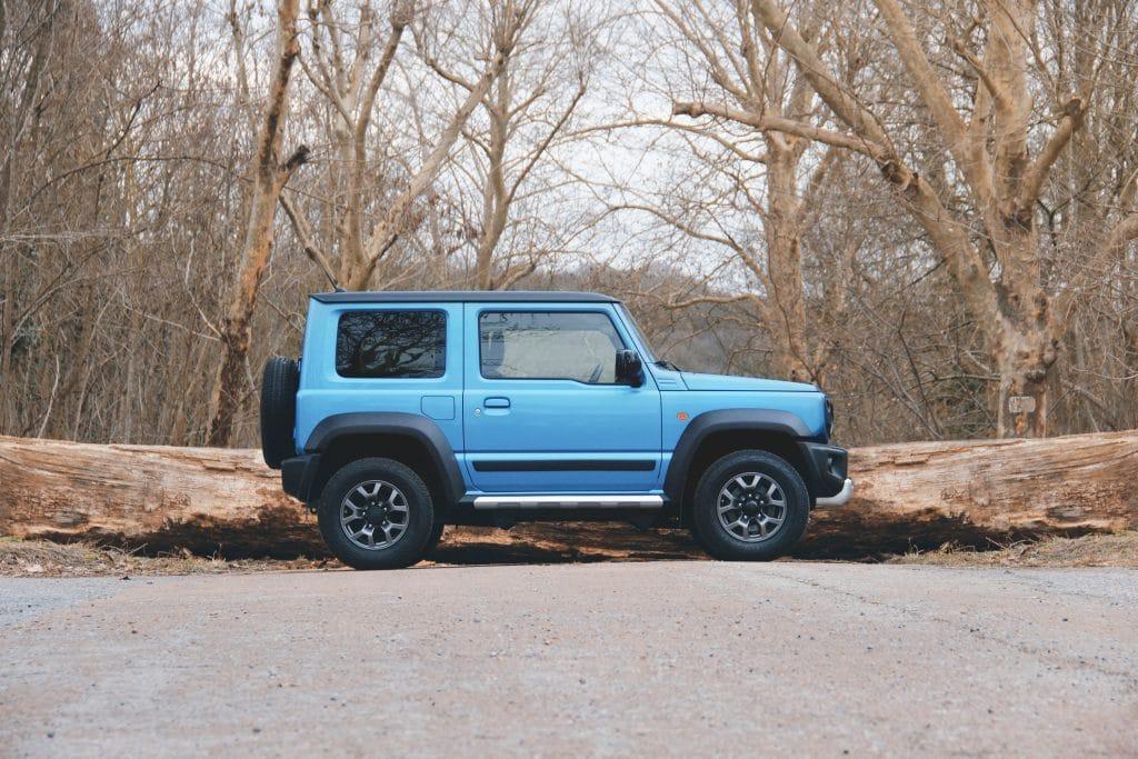 Vue de profil du Suzuki Jimny
