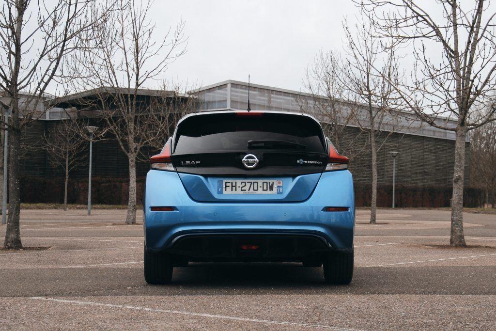 Vue arrière de la Nissan Leaf e+
