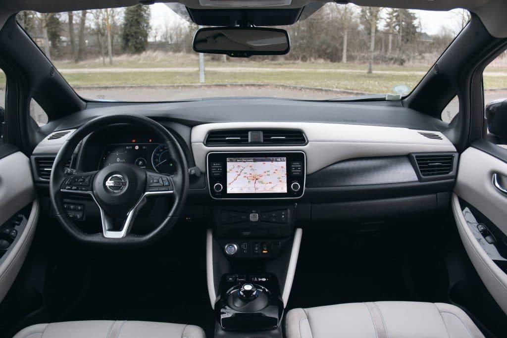 Poste de conduite de la Nissan Leaf e+