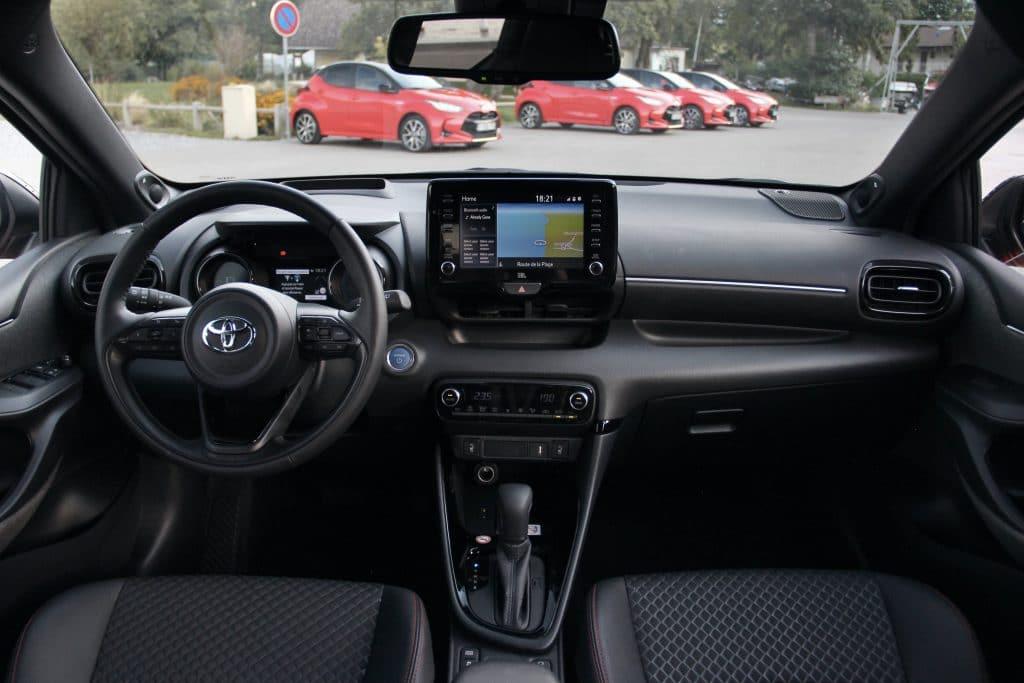 Poste de conduite de la Toyota Yaris