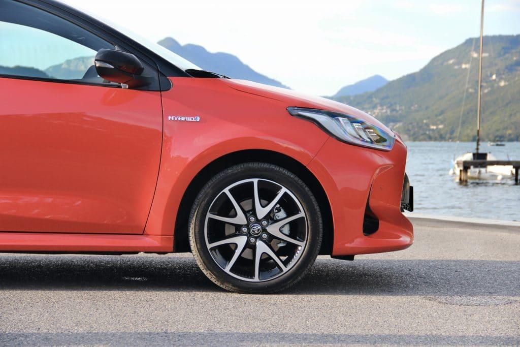Profil avant de la Toyota Yaris