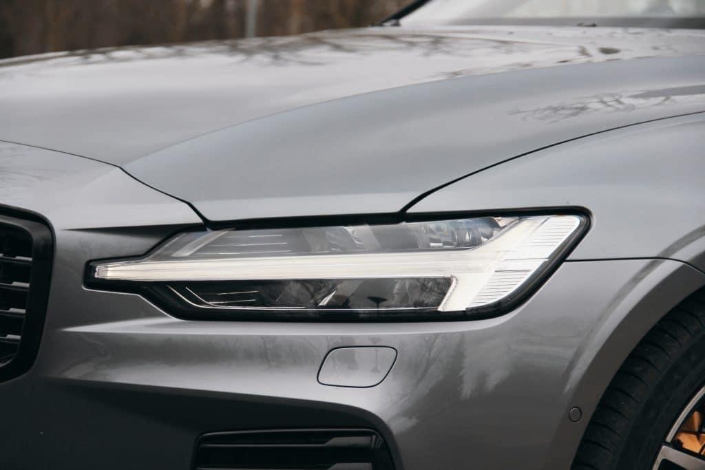 Feux avant de la Volvo S60 Polestar Engineered