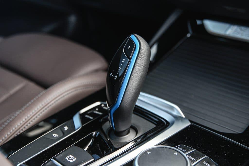 Levier de vitesses du BMW iX3