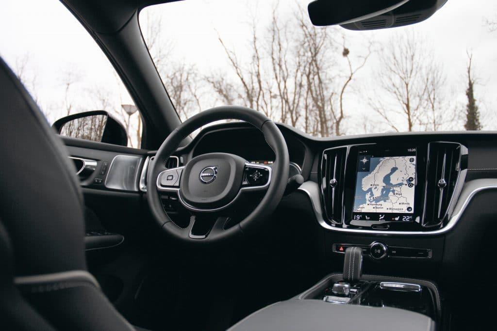 Poste de conduite de la Volvo S60 Polestar Engineered