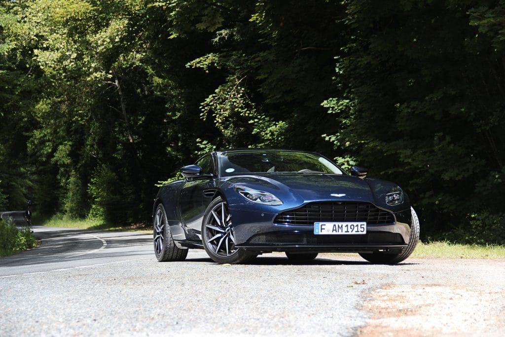 Avant de l'Aston Martin DB11