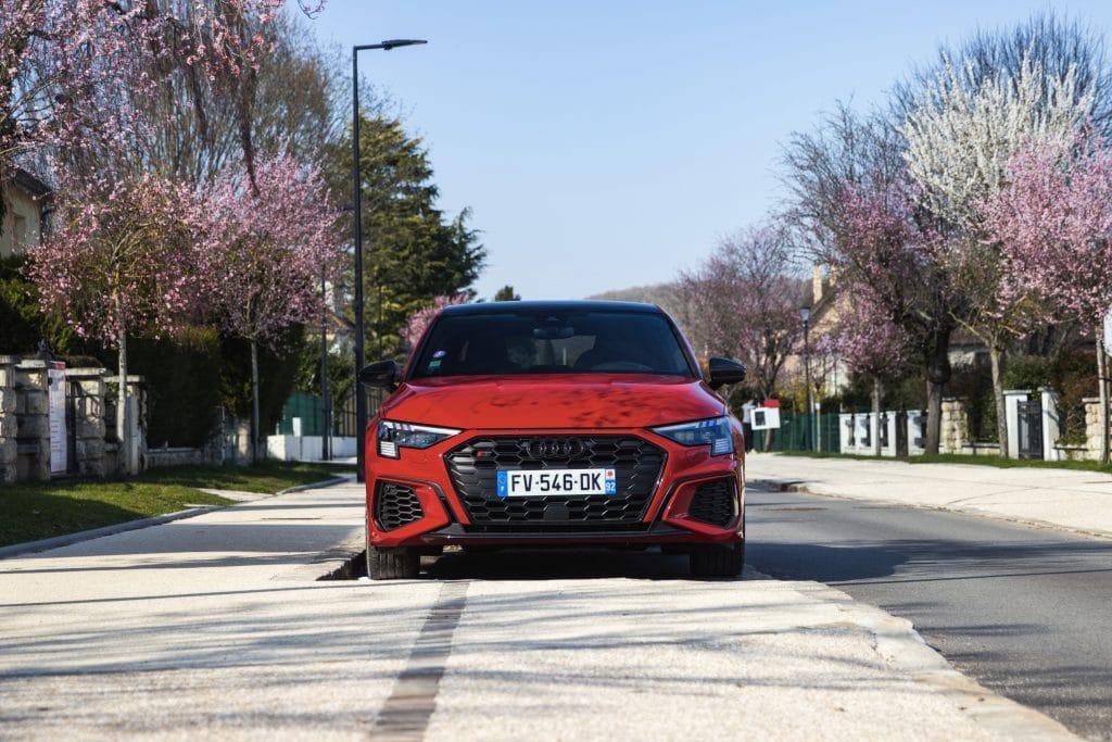 Vue avant de l'Audi S3 berline