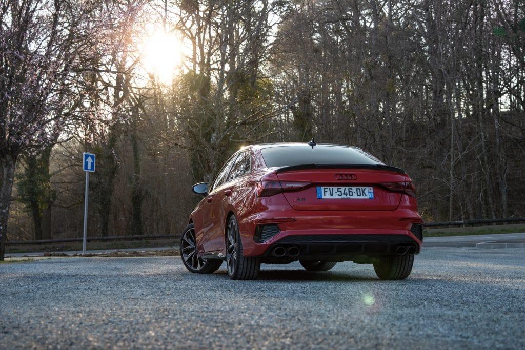 Vue arrière de l'Audi S3 berline