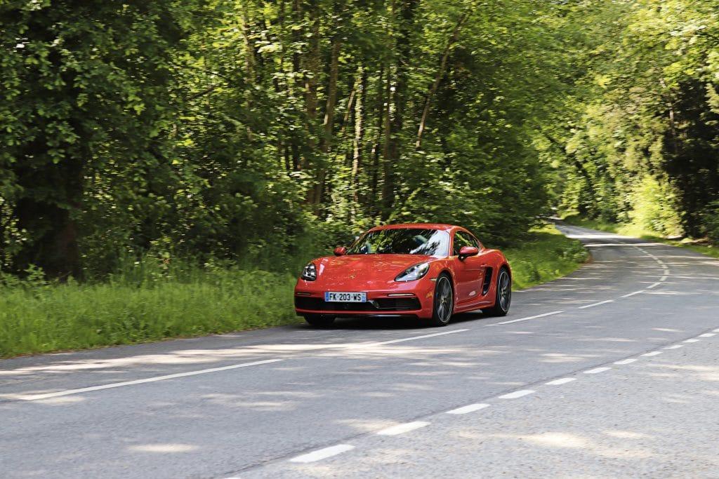 Porsche 718 Cayman S en conduite