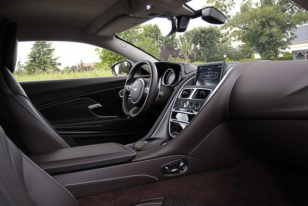 Intérieur de l'Aston Martin DB11