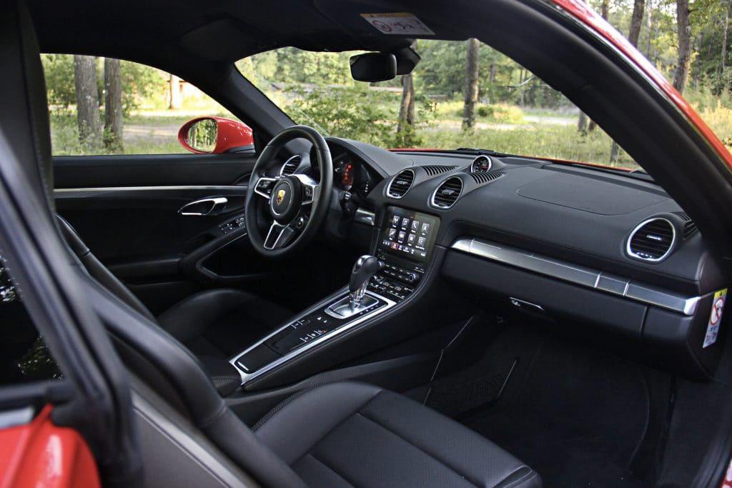 Intérieur de la Porsche 718 Cayman S