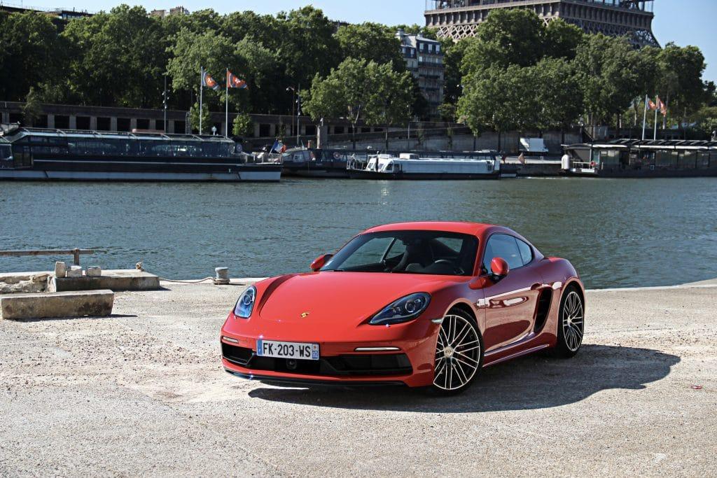 Porsche 718 Cayman S rouge