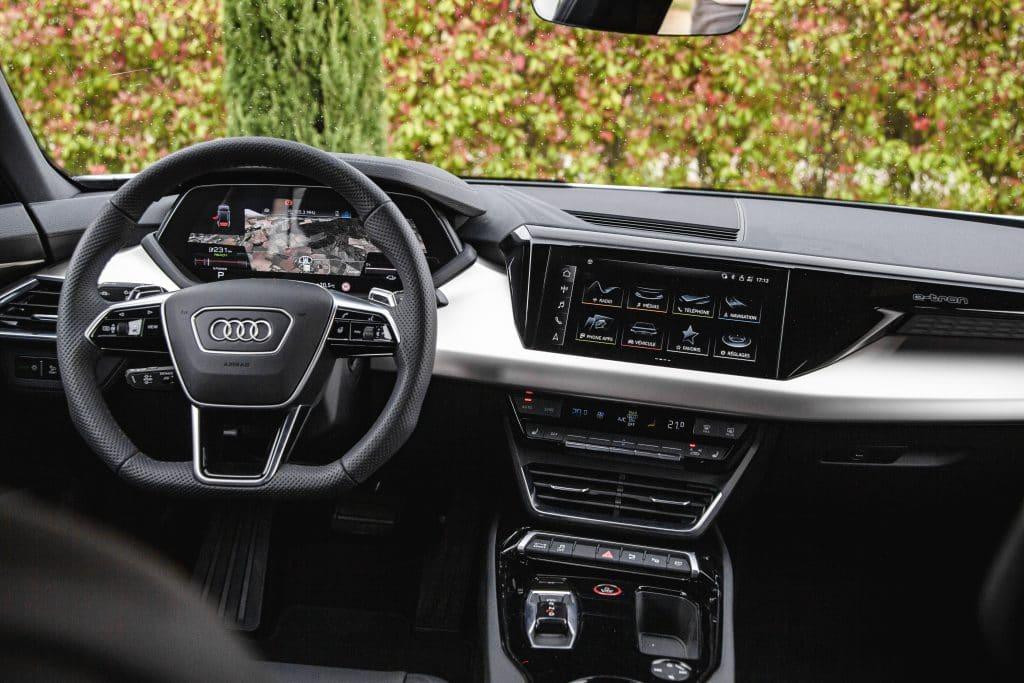 Poste de conduite de l'Audi e-tron GT