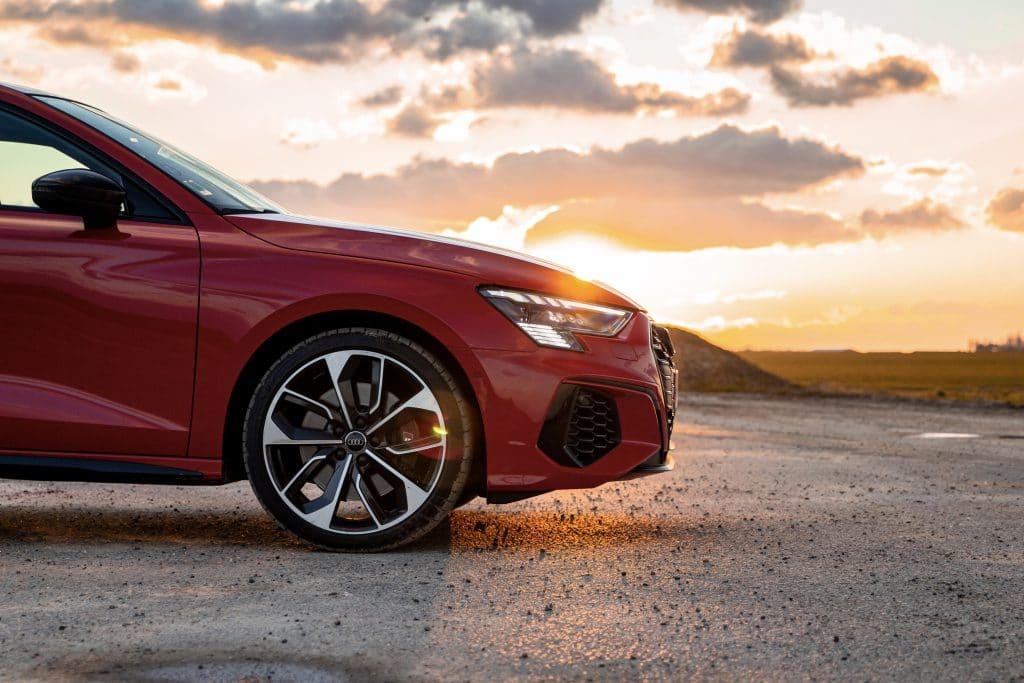 Vue de profil de l'Audi S3 berline