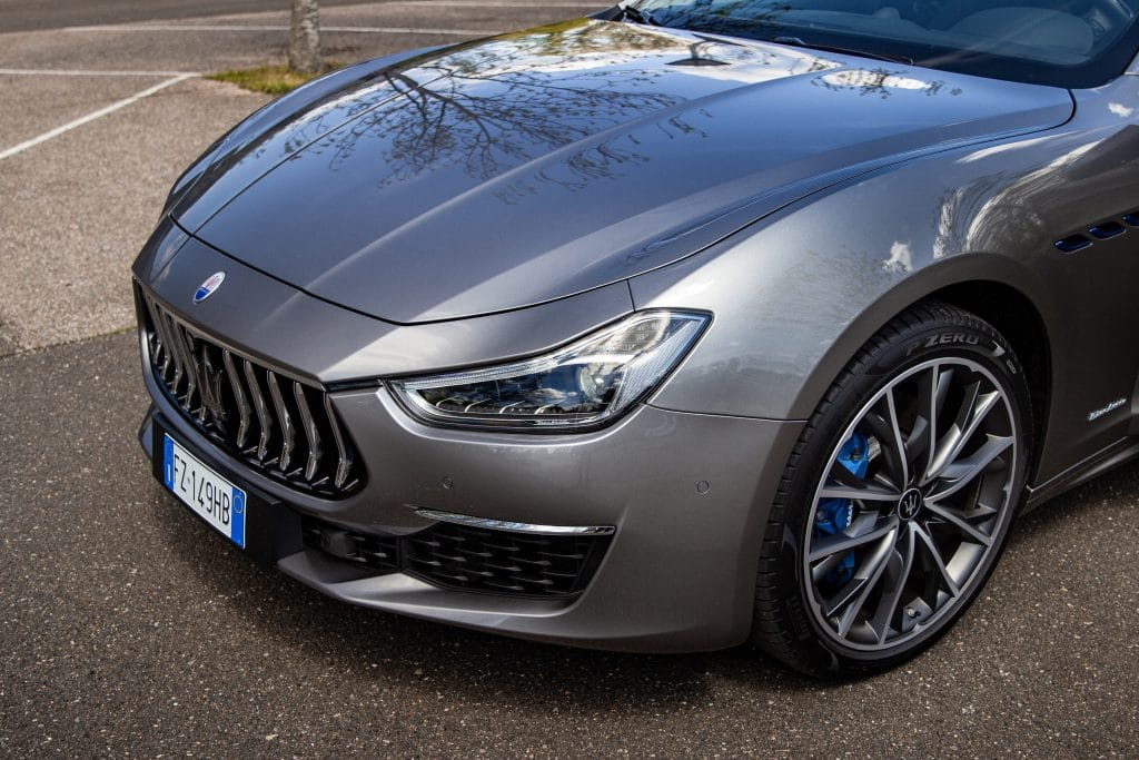 Calandre de la Maserati Ghibli hybride
