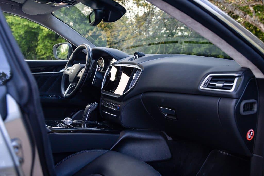 Intérieur de la Maserati Ghibli hybride
